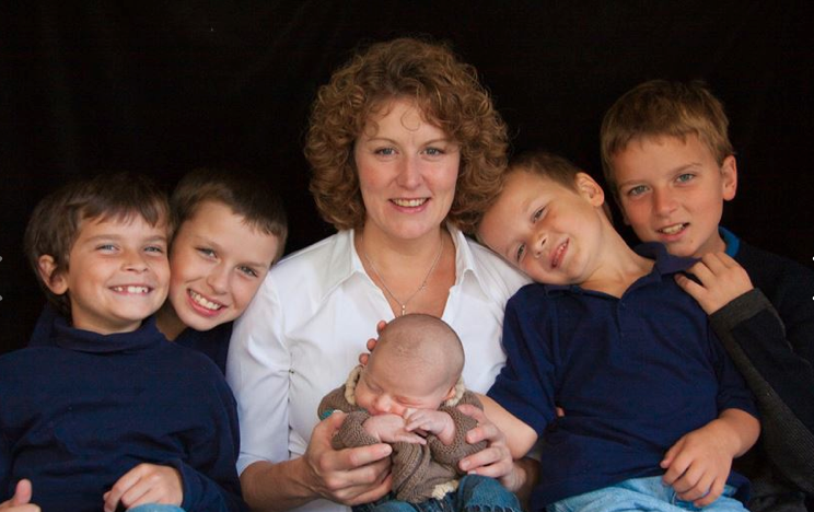 1 Mom and 5 Boys